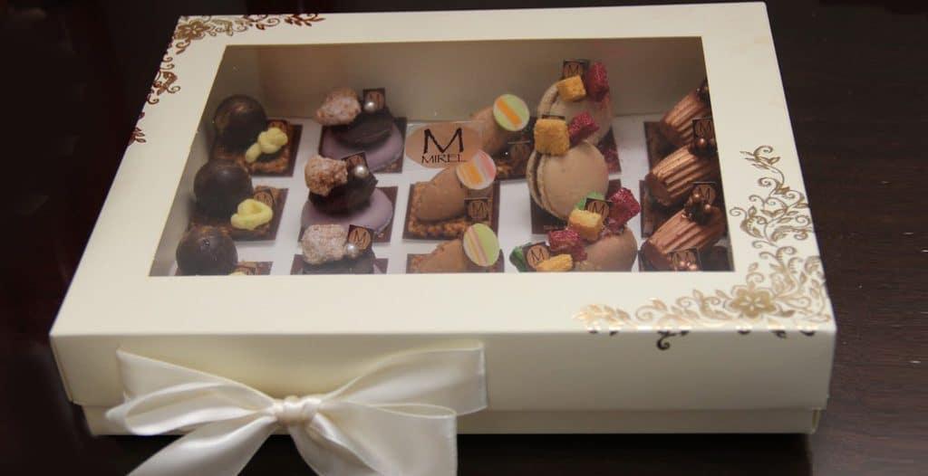 קינוחים יוקרתיים של מירל- שוקולד וקונדטוריית בוטיק