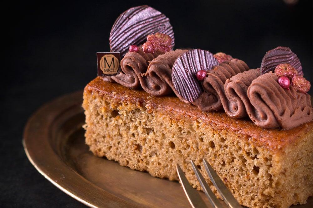 מתכון לעוגת דבש של מירל MIREL שוקולד וקונדטוריית בוטיק