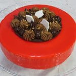 עוגות ויטרינה קינוחים יוקרתיים של מירל תכשיטי שוקולד וקונדטוריית בוטיק MIREL