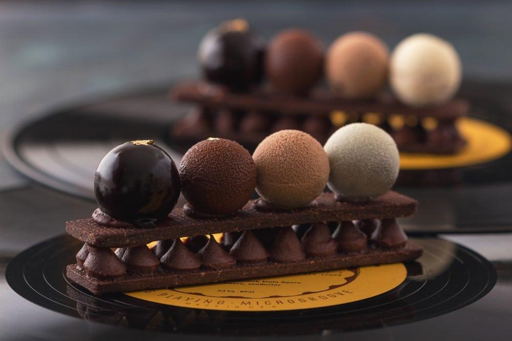 כדורי טריקולד על בצק פריך מתכון לקינוחי בוטיק מוס שוקולד של מירל MIREL