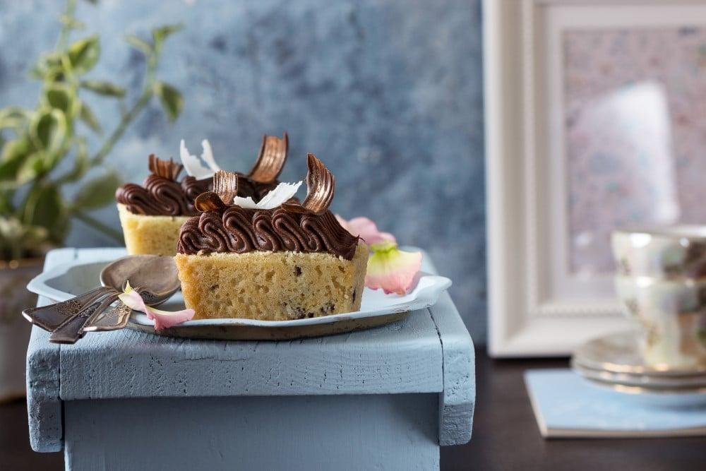עוגות בחושותMIREL מירל תכשיטי שוקולד וקונדטוריית בוטיק