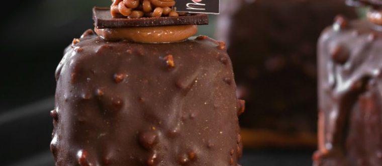 ריבועי מוס שוקולד בציפוי קרנצי