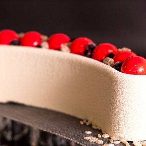 עוגות ויטרינה וימי הולדת עוגות מעוצבות לבר מצווה עוגות מעוצבות לבת מצוה
