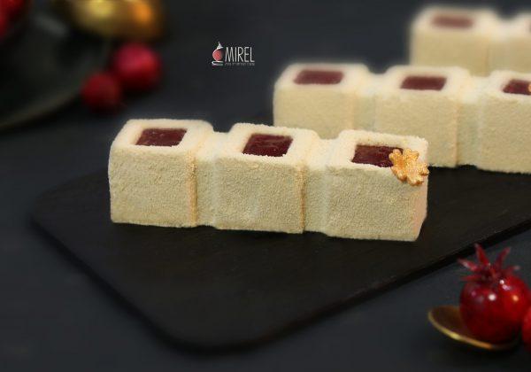 מוס דבש ותפוחים מקורמלים בקישוט ג'לי רימונים -מתכון לראש השנה